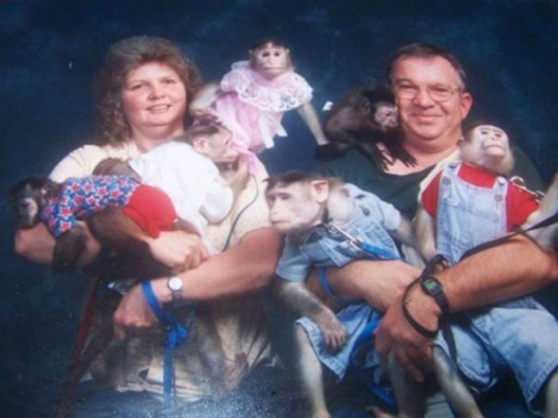 The-21-Most-Awkward-Family-Photos17-620x