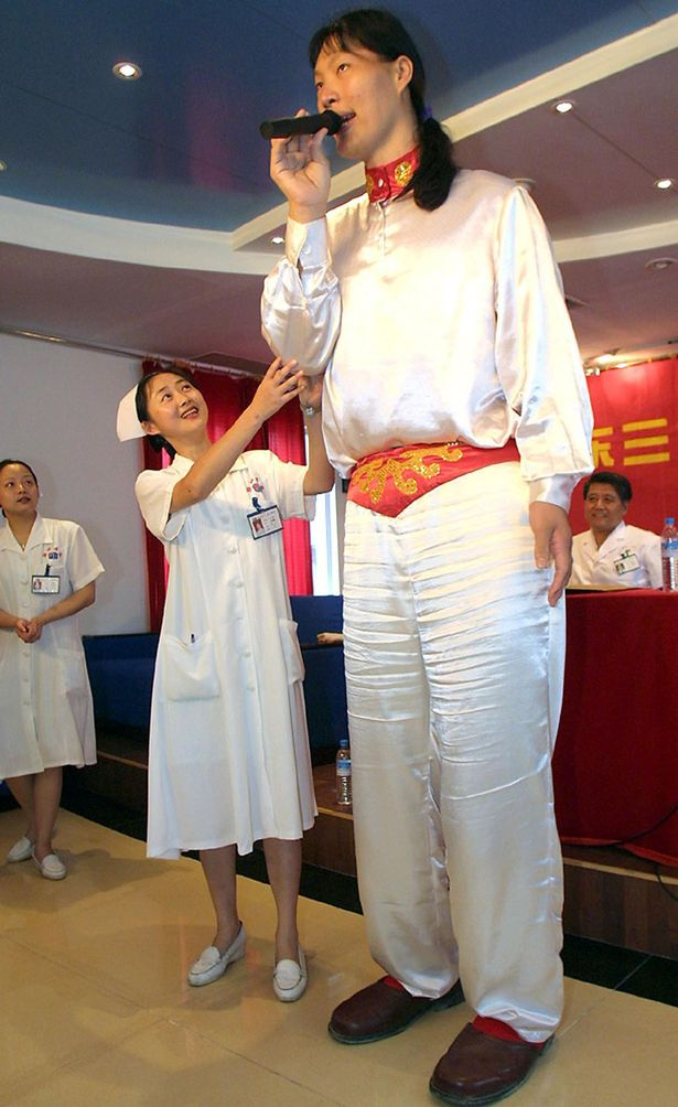 The world's tallest woman - Yao Defen