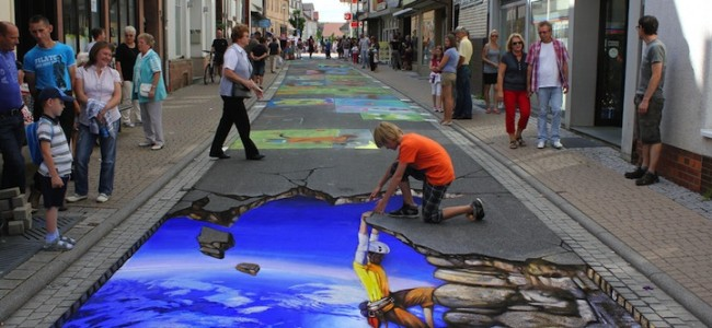 street-chalk-art-optical-illusion-29