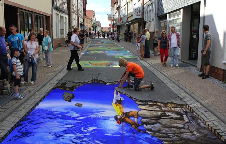 street-chalk-art-optical-illusion-29