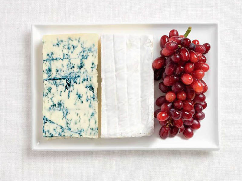 France blue cheese, brie cheese and grapes