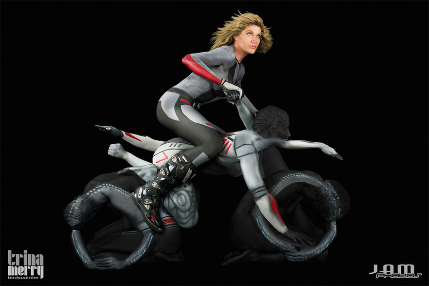 motorcycle-body-painting-art-photographs-trina-merry-3